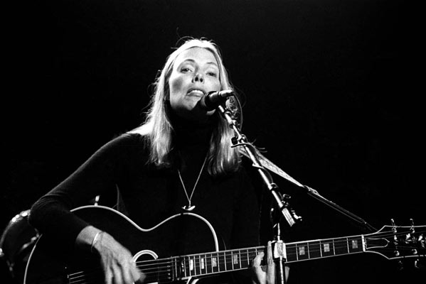 Joni-Mitchell-Hulst-Featured-01